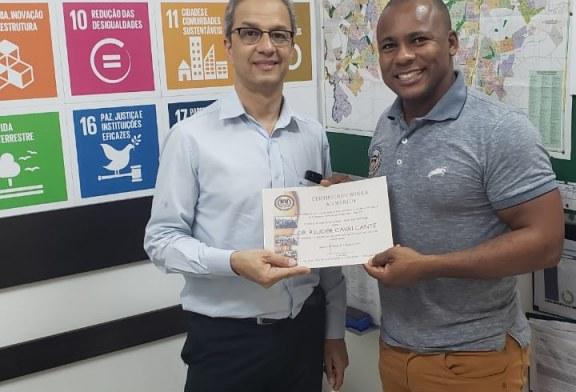 Entrega do Certificado para o Promotor